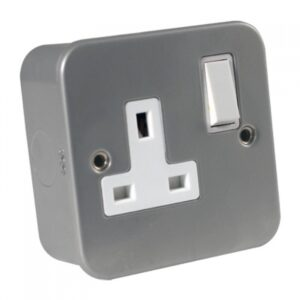 Metal Clad 1 Gang 13A Socket